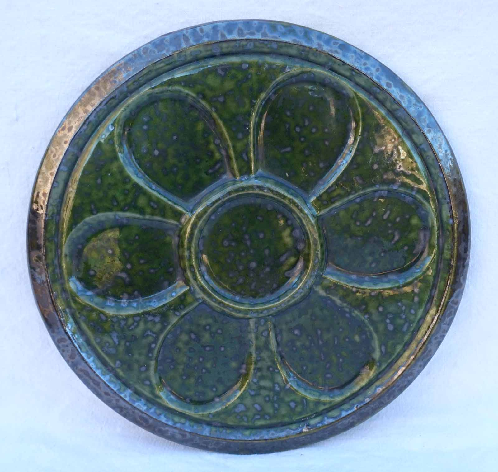 S FRANCE FAIENCE MAJOLICA  6 WELLS  EX COND GREEN VINTAGE OYSTER PLATE